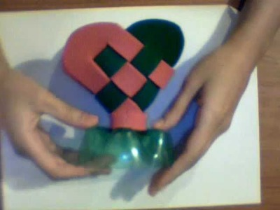 DIY: corazón tejido de foami con botella de plastico