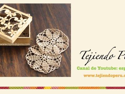 Posavasos redondos con diseño de flor tejidos a crochet