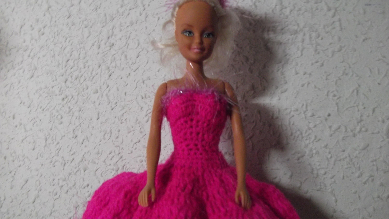 Vestido de fiesta muñeca tipo Barbie crochet