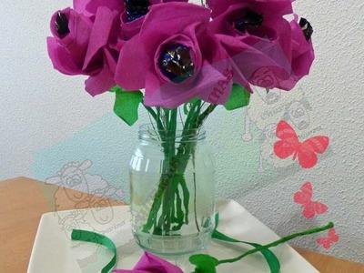 Como hacer Flores de papel crepe con corazón de bombón DIY