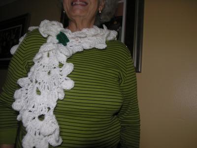 Como hacer preciosa Bufanda; estola; rebozo o chal tejido a crochet usando graficos internacionales