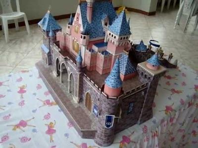 Papercraft: El castillo de la Princesita Nicole, por sus 3 añitos.