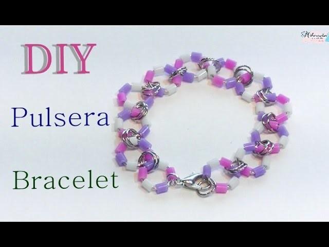 Pulsera con cuentas tipo hama beads. Perler beads bracelet