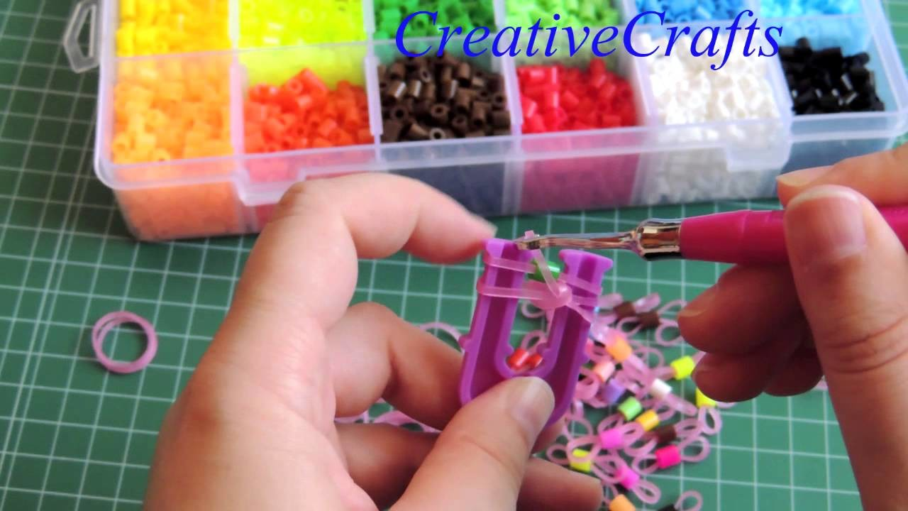 Como hacer una pulsera de gomitas con Hama beads SIN TELAR. Rainbow Loom.