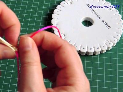 Tutorial como hacer una pulsera con kumihimo redondo dos colores.