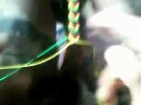 Como Hacer Una Pulsera o Manilla En Flecha En Colores Rasta - How to make a bracelet rasta Arrow.wmv
