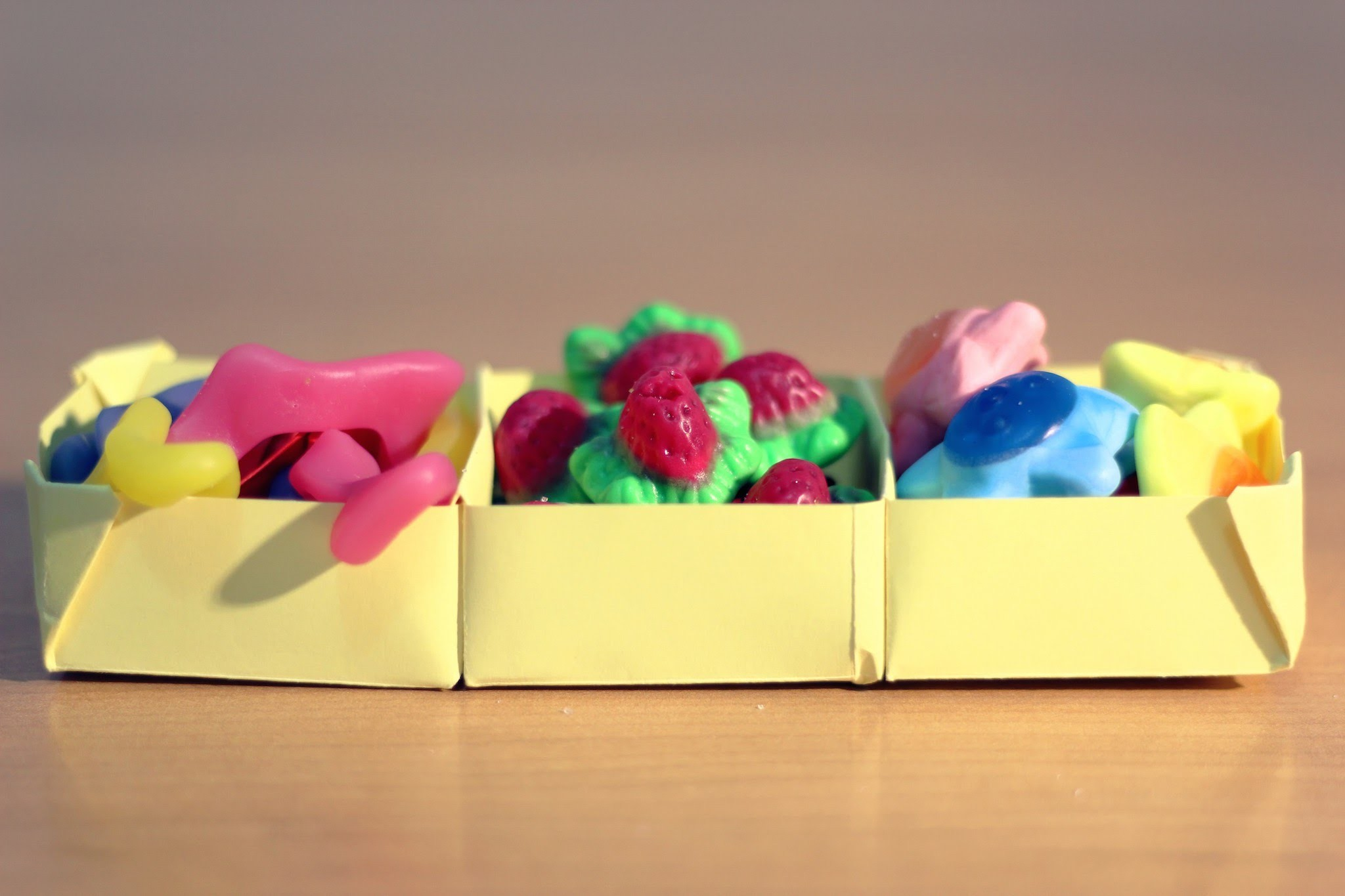 DIY ORIGAMI: How to make a paper box for organising - Cómo hacer una cajita organizadora de papel