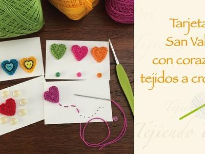 Tarjetas de San Valentín con corazones tejidos a crochet . Crochet Valentine's day card