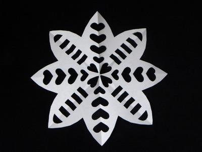 SNOWFLAKE EN FORMA DE FLOR CON CORAZONES. PAPER SNOWFLAKE.