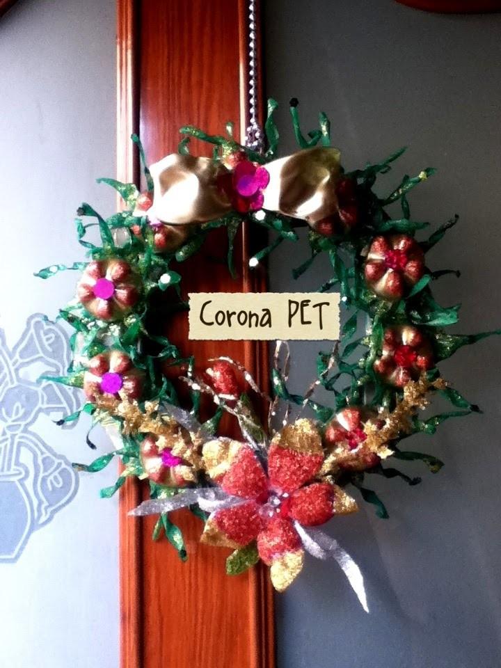 DIY Corona Navideña de PET Botella plástico Reciclaje crown made of plastic pet bottle recycling