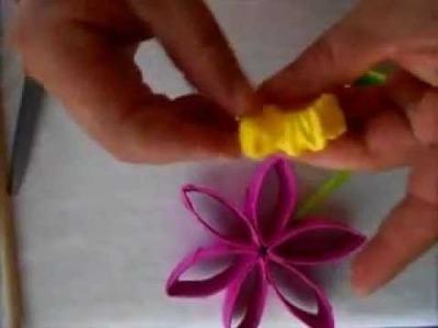 Flores hechas con conos de papel Reciclado