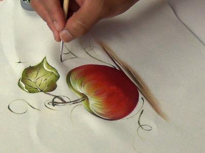 Pintando una manzana en tela