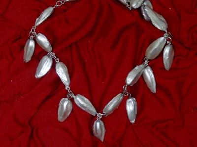 Cómo hacer un collar con pipas de girasol - Necklace made out of sunflower seeds #ecofallera