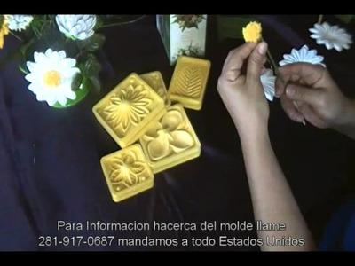 Como hacer flores en foamy # 1