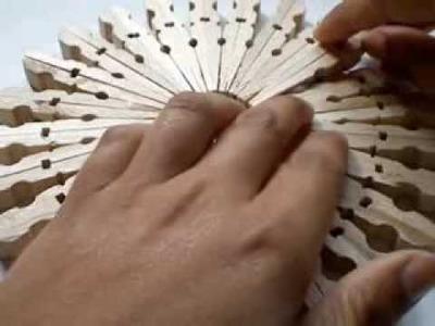 Salvamanteles con pinzas de madera