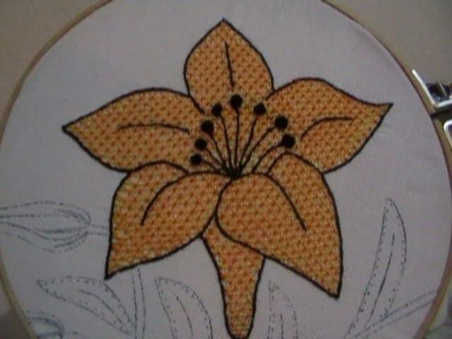 Bordado Fantasia Flor Lily