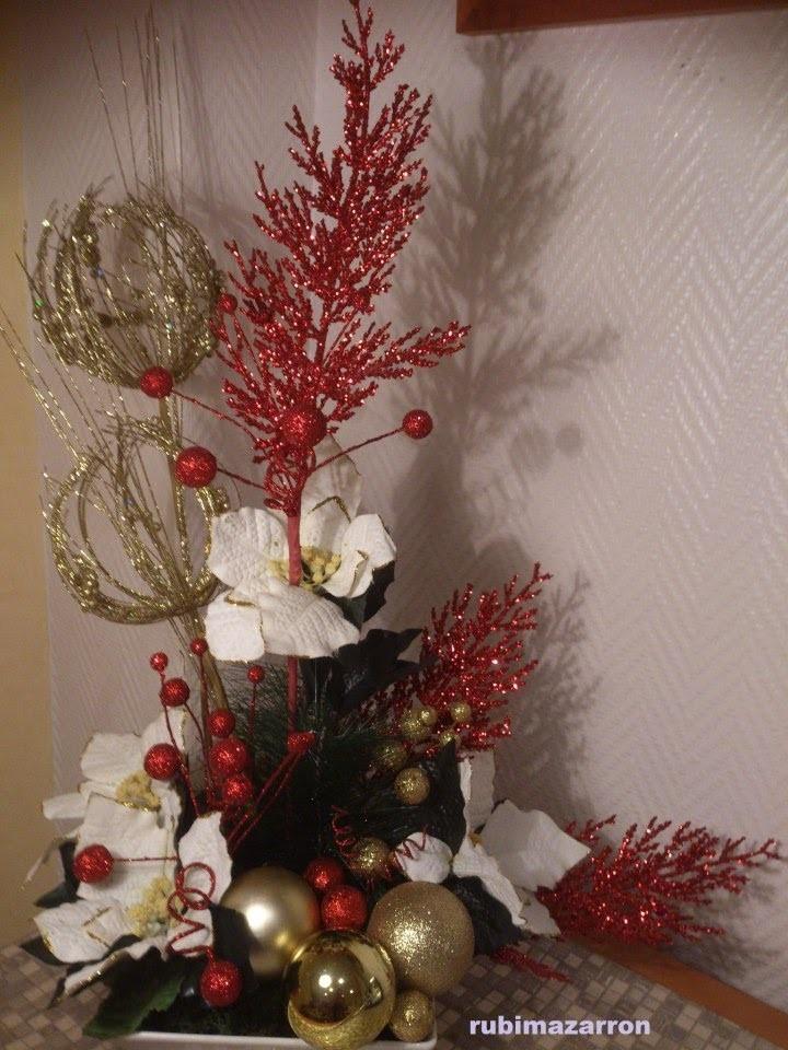 Como hacer un centro de mesa floral ( especial navidad , flores y bolas )