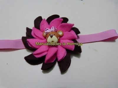 Moños flores en fieltro para decorar accesorios para el cabello 325 manualidadeslahormiga