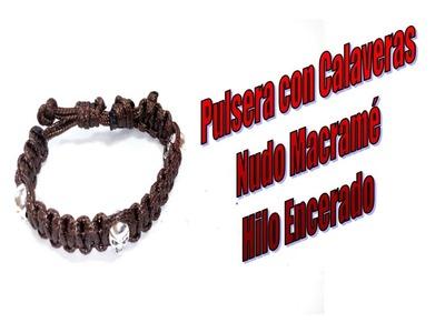 PULSERA CON CALAVERAS CON HILO COLA DE RATÓN ENCERADO CON NUDO MACRAMÉ