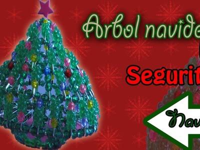 Árbol Navideño hecho de SEGURITOS!