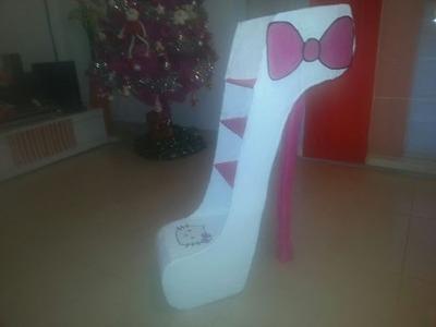 Zapato gigante estanteria de carton parte 1