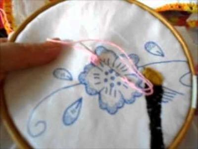 Puntada festón en flor chica, con hebra sencilla