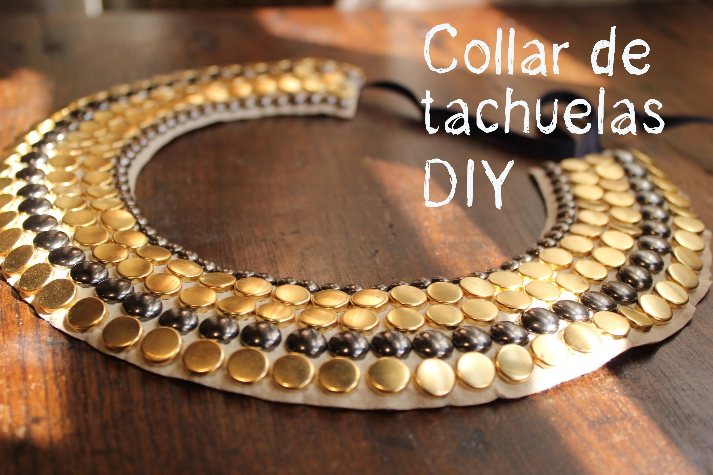 Un collar DIY de tachuelas muy muy fácil.