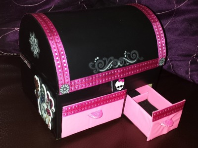 "Manualidad: JOYERO ""COFRE"" MONSTER HIGH"