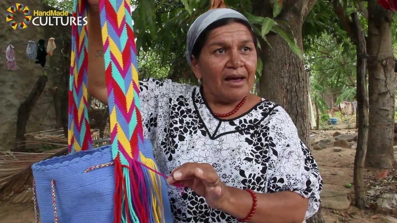 Mochilas Wayúu de un sólo color (Unicolor). Hechas a mano por los indígenas Wayúu de Colombia