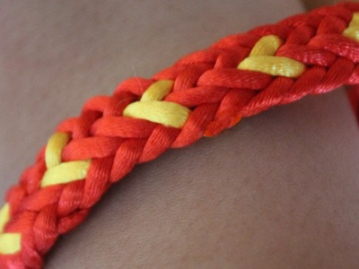 Pulsera con corazones. BFF kumihimo flat bracelet