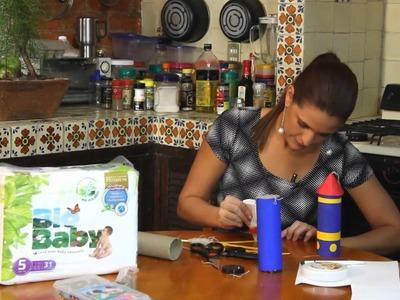 Cohete de juguete con materiales reutilizados