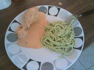Como hacer: pollo en crema de chipotle y espagueti verde