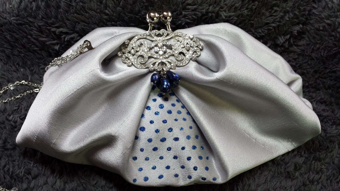 DIY COMO HACER UN BOLSO DE FIESTA EN PLATA Y AZUL, DIY HOW TO MAKE A BUISH SILVERY PURSE