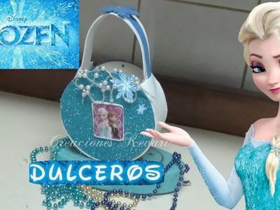 Dulcero o Bolso de CD de frozen (material reciclado). Frozen's Elsa Candy Bag