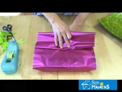 Cómo envolver un regalo con forma de abanico
