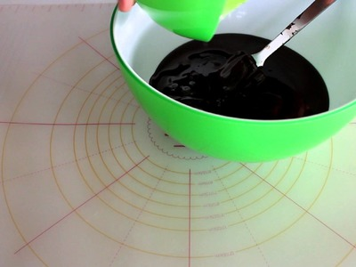 Cómo hacer chocolate para moldear