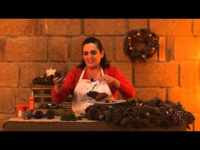 Cómo hacer una corona de navidad con piñas y semillas