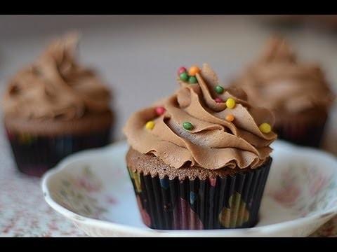 CUPCAKES de CHOCOLATE sin batidora eléctrica, receta fácil