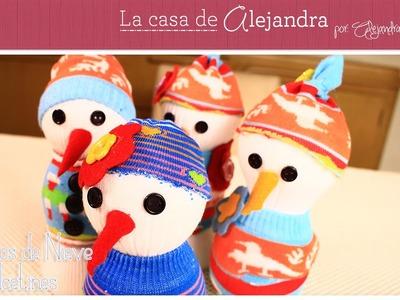 Fáciles y Encantadores Muñecos de Nieve con Calcetines DIY Alejandra Coghlan