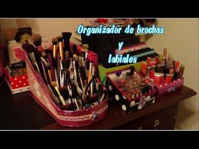 Organizador de brochas y labiales