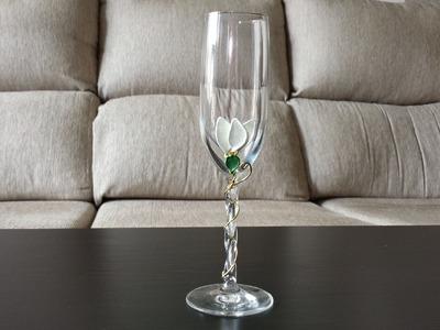 Cómo hacer decoración de Navidad en copas | facilisimo.com