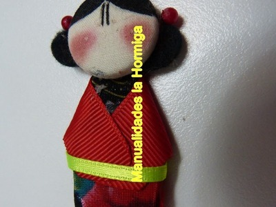 Diy. japonesitas elaboradas con carton  y botones forrados. para imanes del refigerador