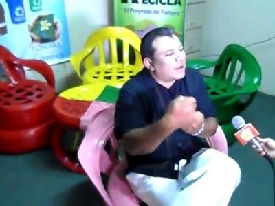LIC.ELSBETH D ANDA EN ENTREVISTA SILLONES ELABORADOS DE LLANTAS USADAS