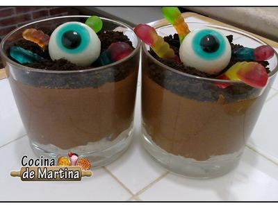 Mousse de chocolate con gusanos | Recetas para Halloween | Cocina de Martina