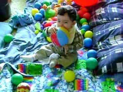 Max y sus pelotitas de colores