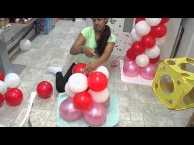 Columna de hello kitty en globos