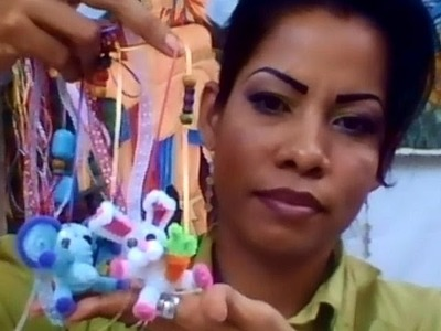 COMO HACER UN LLAVERO CON ANIMALITOS DE LIMPIA PIPAS