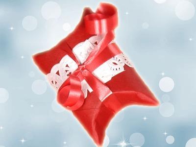 Envoltorios de regalos navideños con material reciclado