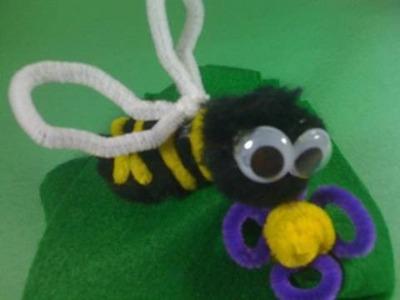 Como hacer un abejita decorativa para la mochila de sus hijos