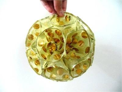 Esferas navideñas colgantes brillantes  en cintas de organza